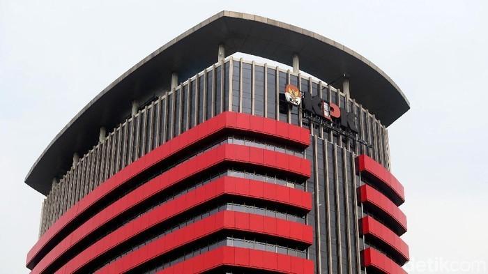 Pejabat Kemensos yang Terjerat OTT Dibawa ke KPK, Jalani Pemeriksaan