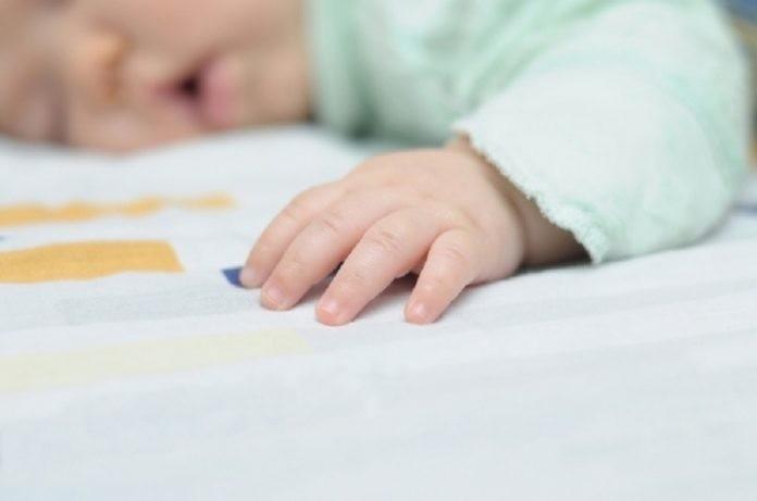 Bayi-tidur-696x461.jpg