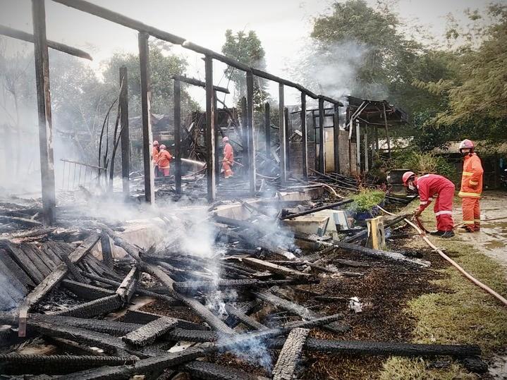 Kebakaran_di_Lok_Tuan.jpg