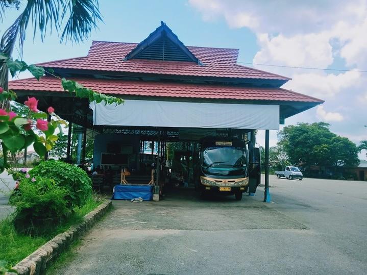 Terminal_Bus_Bontang.jpg