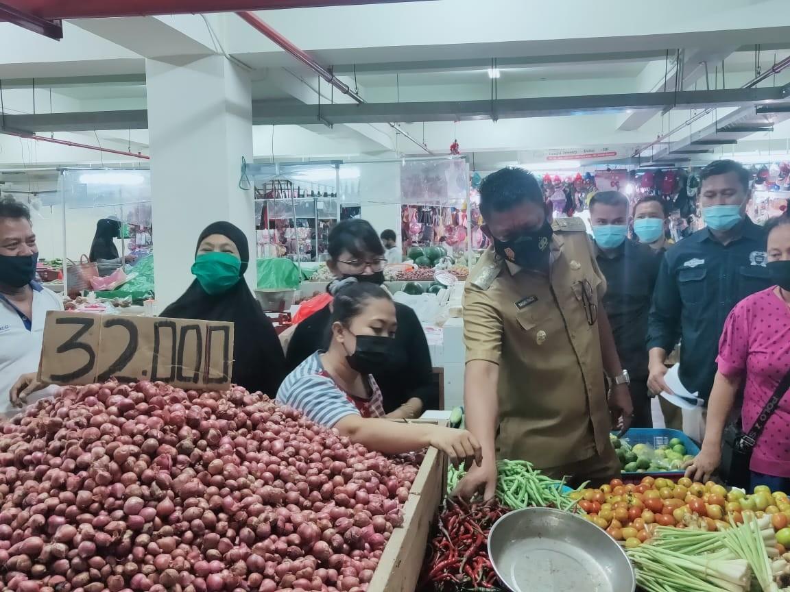 Jelang Natal dan Tahun Baru, Tiga Jenis Kabutuhan Pokok di Pasar Tamrin Naik