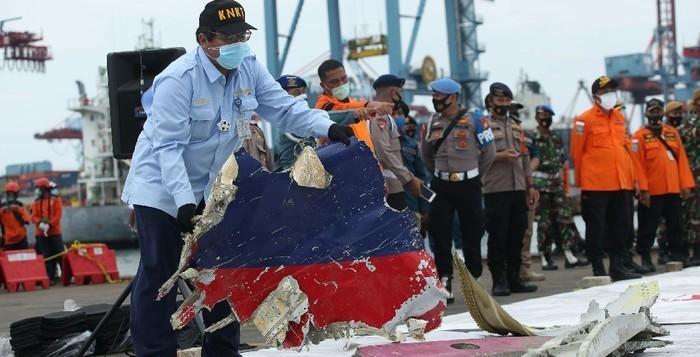 KNKT: Kemungkinan Besar Pesawat Sriwijaya Air Tidak Meledak di Udara